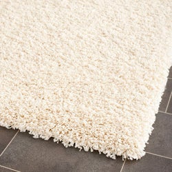 Cozy Solid Ivory Shag Rug (6' 7 Square)