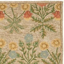 Safavieh Handmade Blossom Beige Pure Wool Rug (4' x 6')