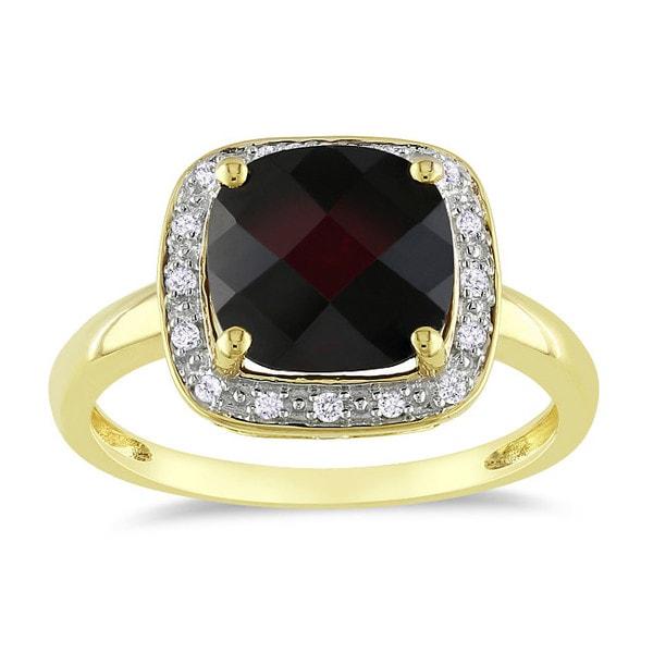 Miadora 10k Yellow Gold 3-5/8ct TGW Garnet 1/10ct TDW Diamond Ring (G-H, I2-I3)