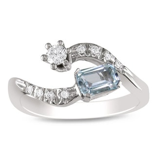 Miadora Signature Collection 18K White Gold Blue Topaz and 1/5ct TDW Diamond Ring (G-H, SI1-SI2)
