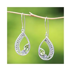 Sterling Silver 'Paisley Swirl' Peridot Dangle Earrings (Indonesia)