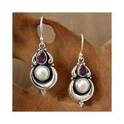 Sterling Silver 'Jaipur Moon' Amethyst Pearl Earrings (9 mm) (India)