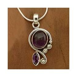 Sterling Silver 'Delhi Delight' Amethyst Necklace (India)