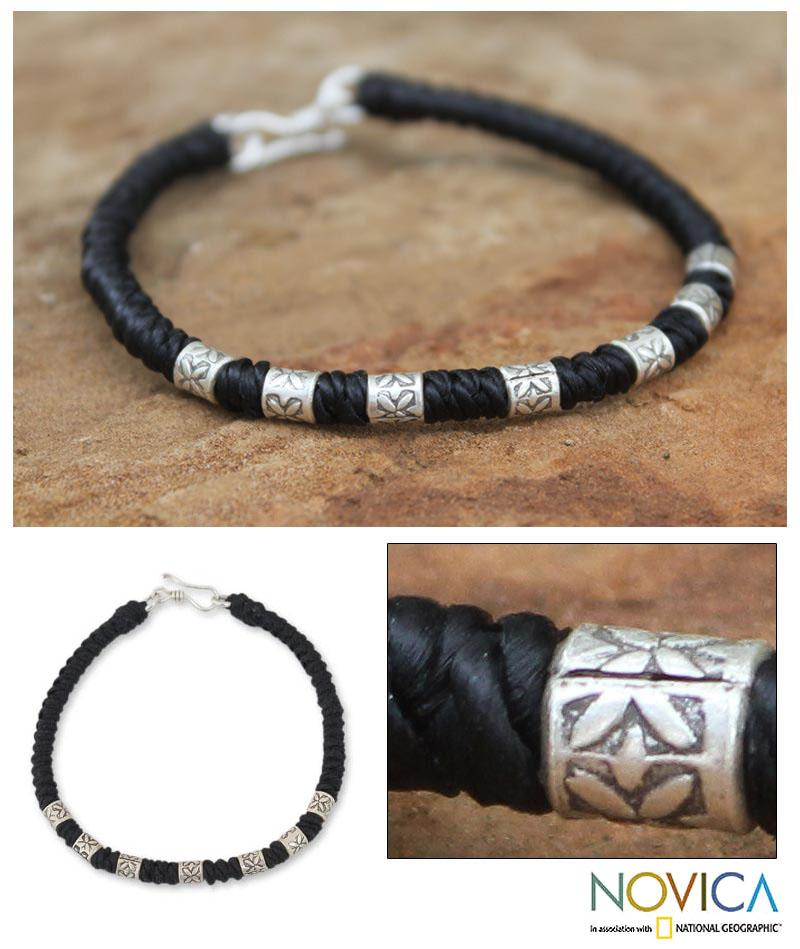 Silver 'Days of Blooms' Polyester Wristband Bracelet (Thailand)