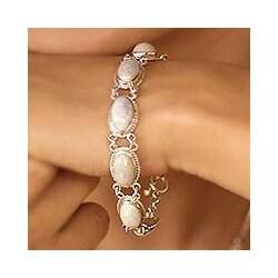 Sterling Silver 'Eternal Love' Lavender Jade Bracelet (Guatemala)