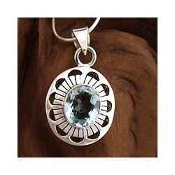 Sterling Silver 'Sky Halo' Blue Topaz Necklace (India)