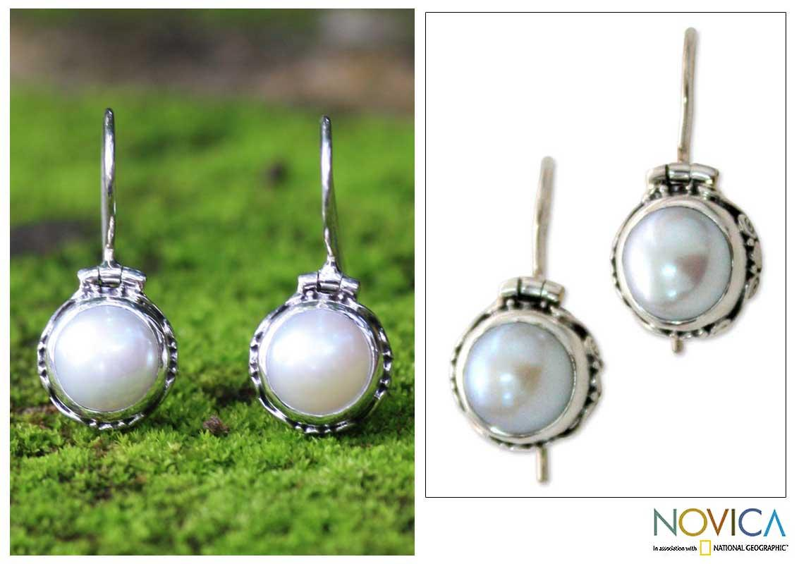 Sterling Silver 'Odyssey' White Mabe Pearl Earrings (9 mm) (Indonesia)