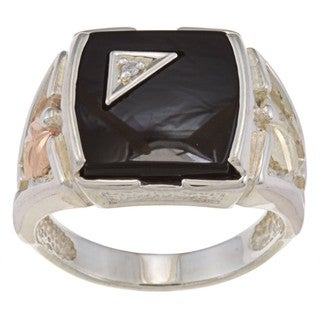 Black Hills Gold and Silver Mens Onyx and Diamond Accent Ring (4ct TGW)