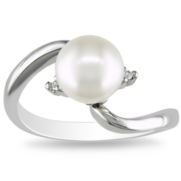 Miadora 18k White Gold Cultured Freshwater Pearl and Diamond Accent Ring (8-8.5 mm)(G-H, SI2)