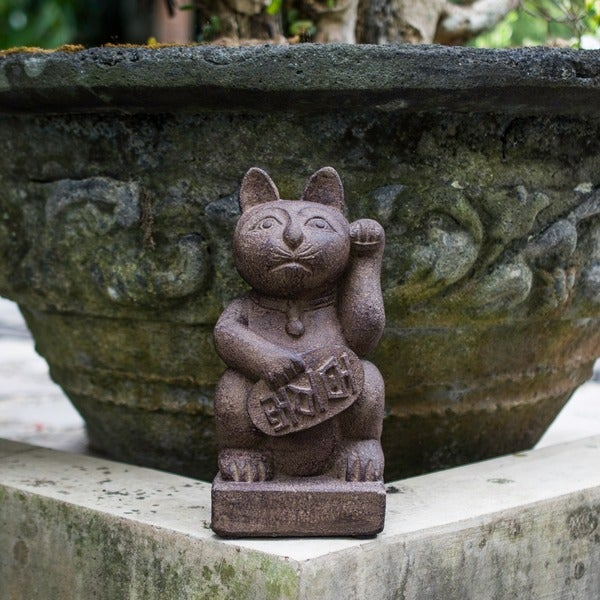 Stone Japanese Maneki Neko 'Lucky Cat' Satuette (Indonesia)