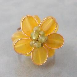Goldtone Lemon Quartz Flower Ring (Thailand)