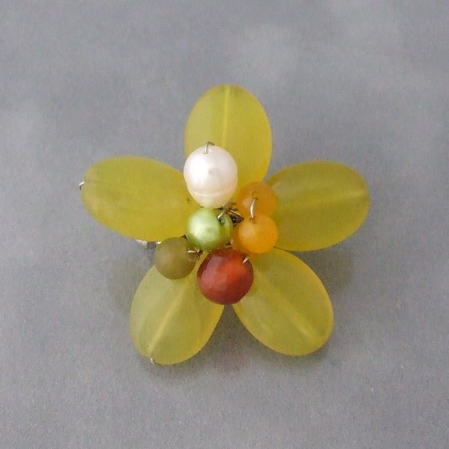 Lime-Green Quartz and Pearl Floral Serenity Brooch (5-7mm)(Thailand)
