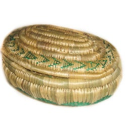 Handcrafted Ethiopian Green Oval Wicker Basket (Ethiopia)