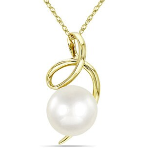 Miadora 10k Yellow Gold Freshwater White Pearl Fashion Necklace (8-8.5 mm)