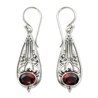 Sterling Silver 'Raindrops' Garnet Dangle Earrings (Indonesia)