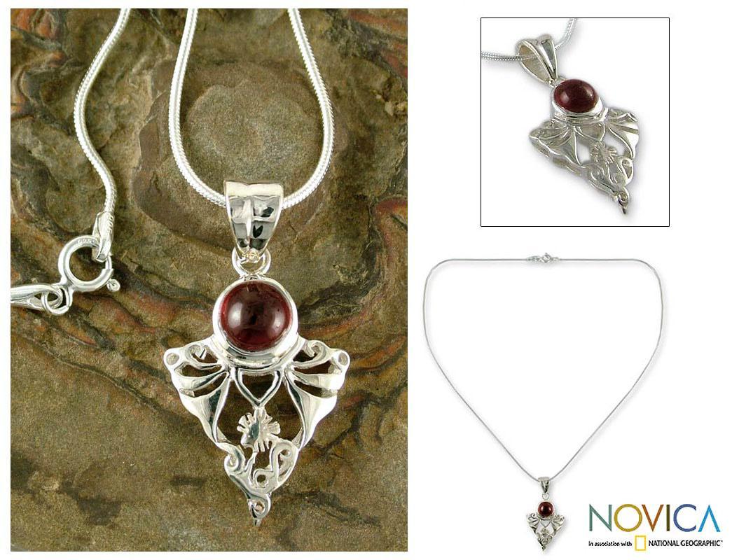 Sterling Silver 'Crimson Fern' Garnet Pendant Necklace (India)