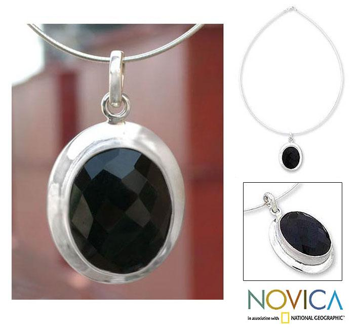 Sterling Silver 'Modern Embrace' Onyx Necklace (India)