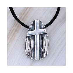 Sterling Silver Men's 'Tree of Faith' Leather Cross Necklace (Mexico)