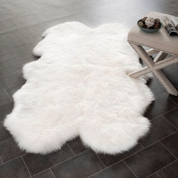Prairie Sheepskin/ Wool White Shag Rug (4' x 6')