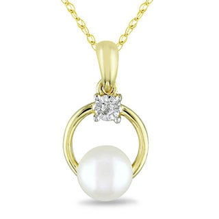 Miadora 10k Yellow Gold Cultured Freshwater Pearl and Diamond Fashion Necklace (5.5-6 mm)