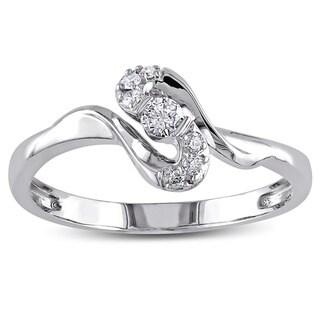 Miadora 10k White Gold 1/6ct TDW Diamond Ring (G-H, I2-I3)