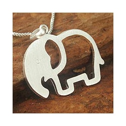 Sterling Silver 'Moonlit Elephant' Necklace (Thailand)