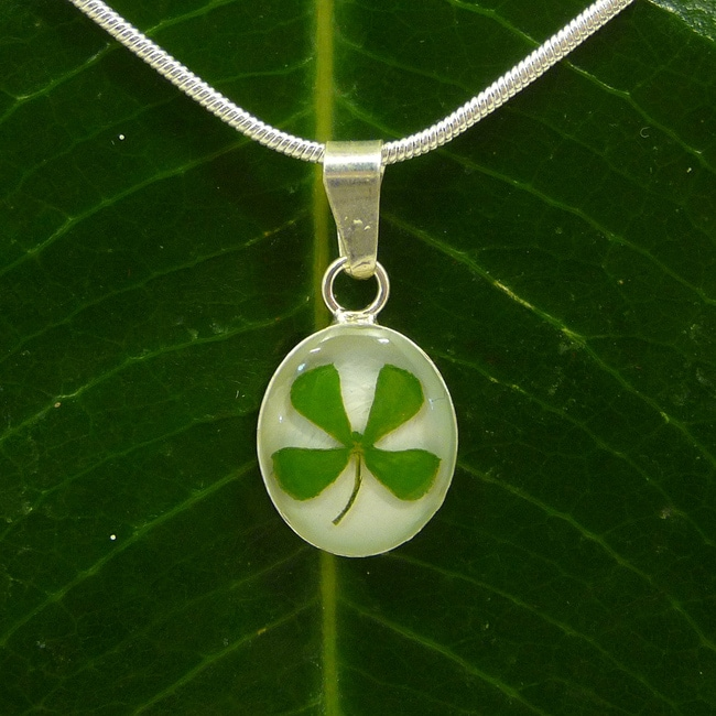 Exotika Fashion Sterling Silver Four-leaf Clover Necklace (Mexico)