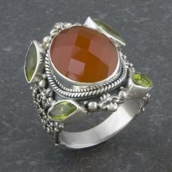 Sterling Silver Red Agate and Peridot 'Cawi' Ring (Indonesia)