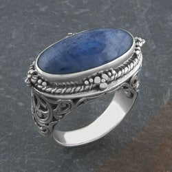 Sterling Silver Blue Cabochon Serpentine 'Cawi' Ring (Indonesia)