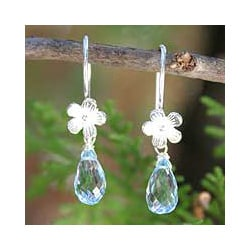 Sterling Silver 'Sky Daisy' Blue Topaz Flower Earrings (Thailand)