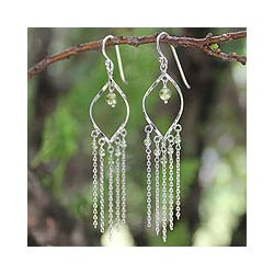 Sterling Silver 'Scintillating Leaves' Peridot Earrings (Thailand)
