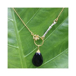 Gold Overlay 'Tulip Mystique' Onyx Flower Necklace (Thailand)