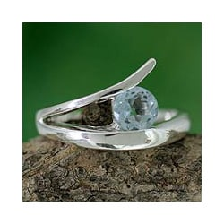 Sterling Silver 'Circle of Love' Blue Topaz Solitaire Ring (India)