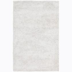 Hand-woven Mandara White Shag Rug (5' x 7'6)