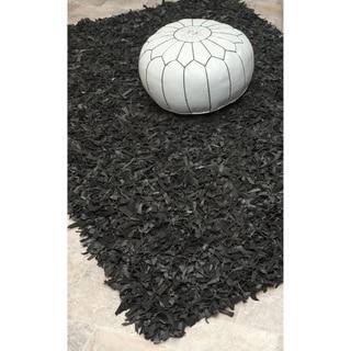 nuLOOM Handmade Alexa Black Leather Shag Rug (2'6 x 4')