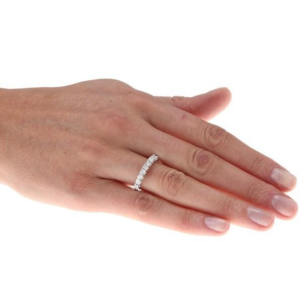Sterling Silver 1/10ct TDW Diamond Fashion Ring (H-I, I2-I3)