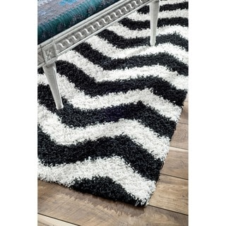 nuLOOM Luna Black and White Chevron Shag Rug (8' x 10')