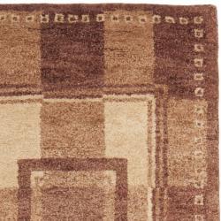 Safavieh Hand-knotted Selaro Grids Brown/ Beige Wool Rug (2'3 x 9'6)