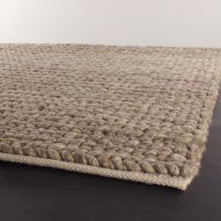 Handwoven Mandara Wool Area Rug (9' x 13')