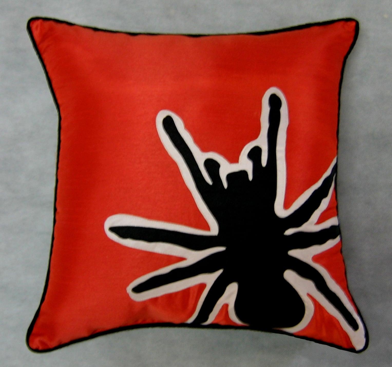 Scary Tarantula Silhouette 16-inch Throw Pillow