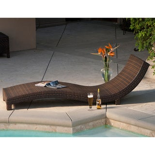 Outdoor Wicker Lounge