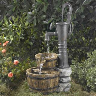 Old-Fashioned Water Pump Water Fountain