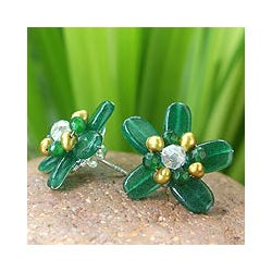 Quartz 'Jungle Flowers' Pearl Button Earrings (3.5-4 mm) (Thailand)