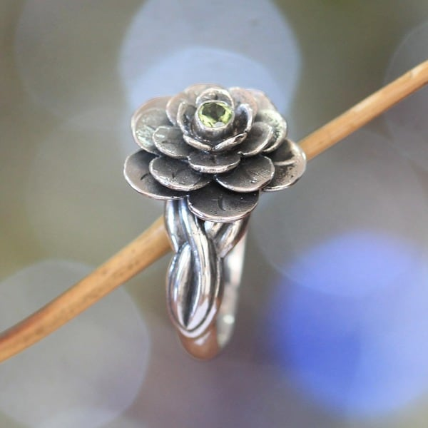 Sterling Silver 'Holy Lotus' Peridot Flower Ring (Indonesia)