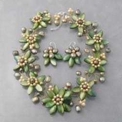 Modish Green Lily Mother-of-Pearl Freshwater Pearl Floral Jewelry Set (Thailand)