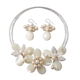 Ornate Floral White Mother-of-Pearl Jewelry Set (Thailand)