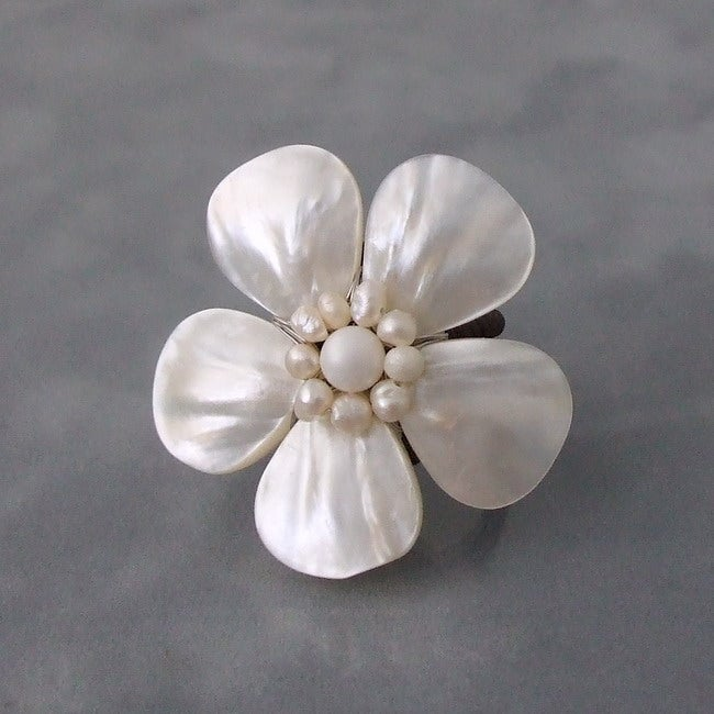 White Mother of Pearl and Pearl Daisy Adjustable Ring (4-7 mm)(Thailand)