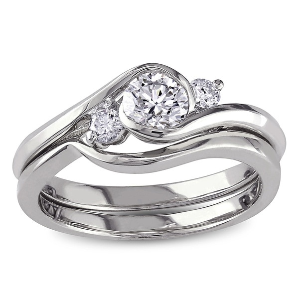 Miadora Signature Collection 10k White Gold 1/2ct TDW Round Bezel Diamond Bridal Set (G-H, I1-I2)