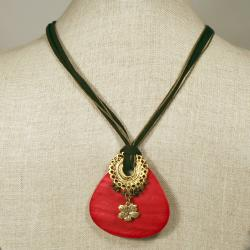 Peyote Bird Designs Scarlet Shell Necklace (China)