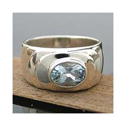 Sterling Silver 'Whirlpool' Blue Topaz Solitaire Ring (India)